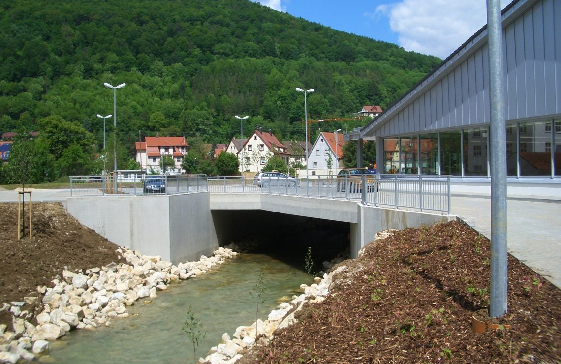 Ermsbrücke Bad Urach (Aldi)