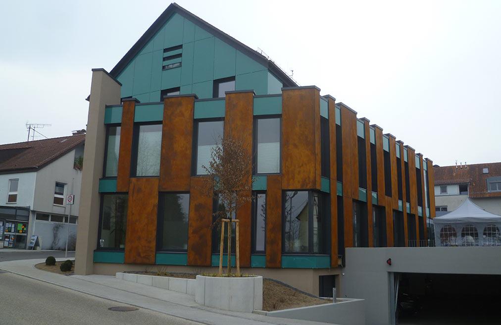 Neubau Ärztehaus mit Tiefgarage in Aichwald